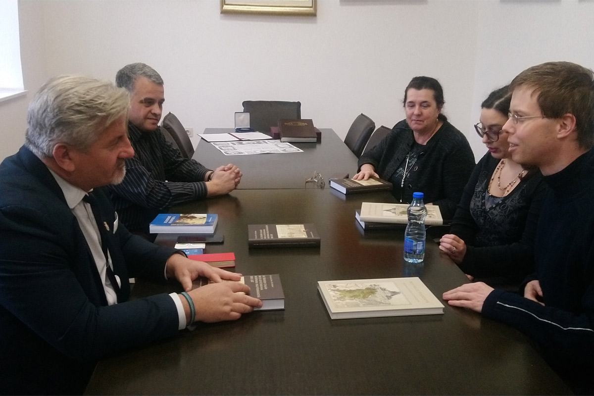 The Director of the Pest County Archives Visits the Archives of Vojvodina